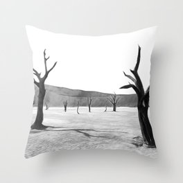 deadvlei desert trees acrbw Throw Pillow