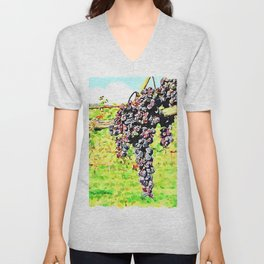 Hortus Conclusus: bunches of black grapes in the vineyard Unisex V-Neck