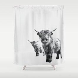 HIGHLAND COW - LULU & SARA Shower Curtain