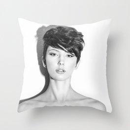 5647 Natasha Au Naturel - Boudoir Eros Studio Beauty Nude Throw Pillow