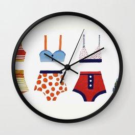 Les bikinis rétro Wall Clock