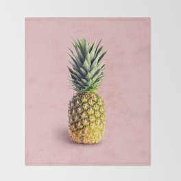 Pineapple on pink background Throw Blanket