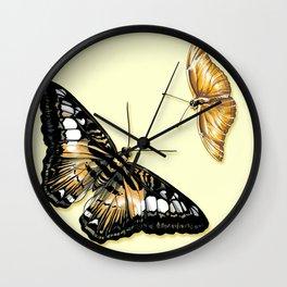 Papillon jaune et noir Wall Clock