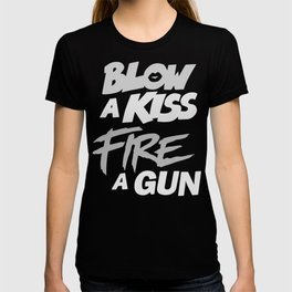 Blow a Kiss' T-shirt
