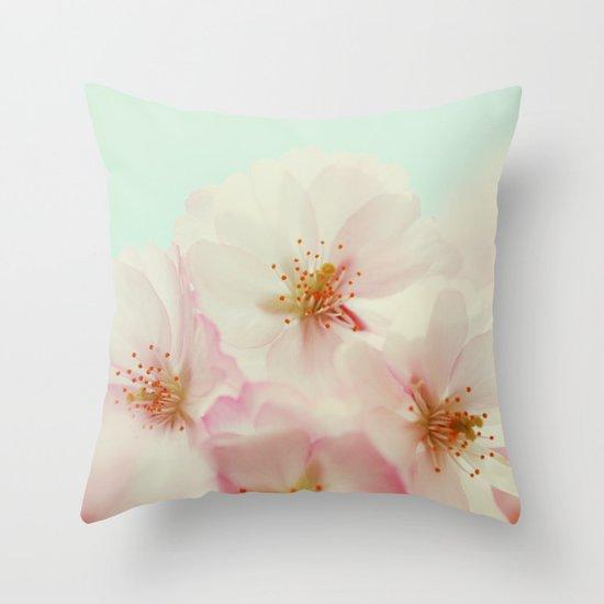 Jardin Throw Pillow