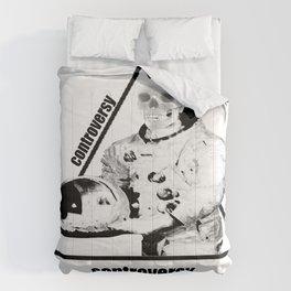 Controversy Triangle Comforters
