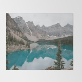 Moraine Lake, Banff National Park Throw Blanket