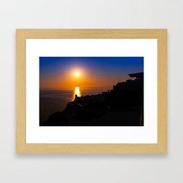 Oia sunset i Framed Art Print