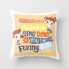 twinkie love Throw Pillow