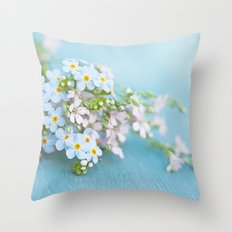Unforgettable prettiness Throw Pillow