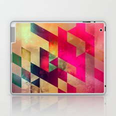 syx nyx Laptop & iPad Skin