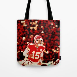 Chiefs Mahomes before the snap Tote Bag