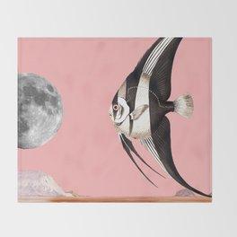 Plenty of fish in the sea Pink Throw Blanket