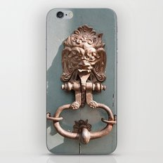 Lions Head iPhone & iPod Skin