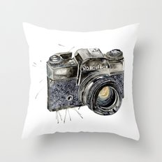 Take A Picture ! Throw Pillow