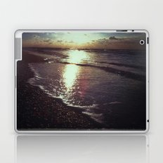 My soul is full of longing for the secret of the sea... Laptop & iPad Skin