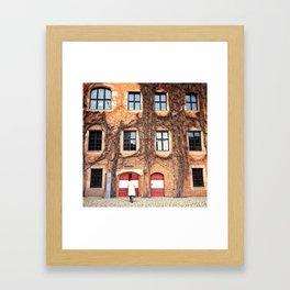 Herzlich willkommen! Framed Art Print
