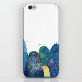 the moutains are comming iPhone Skin