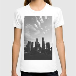 Lion city || black and white architecture photography || SINGAPORE T-shirt