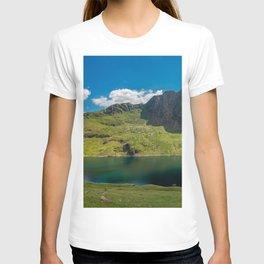 Glaslyn Lake Snowdon Wales T-shirt