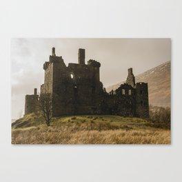 Golden hour at Kilchurn Castle Canvas Print