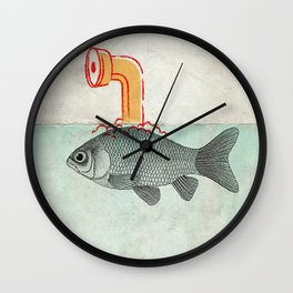 Periscope Goldfish Wall Clock