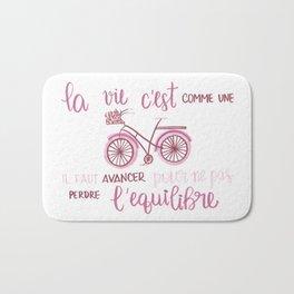 la vie c'est comme una bici Bath Mat