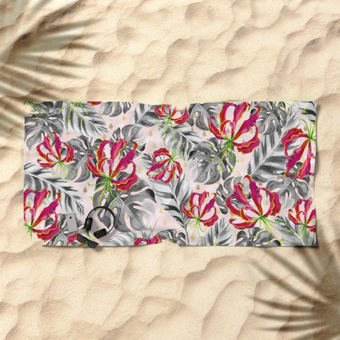 Tropical plants pattern and watercolor flowers Beach Towel