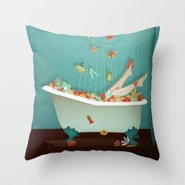 L'eau Naturel Throw Pillow