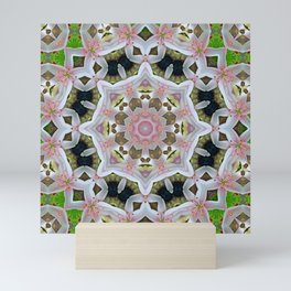 KALEIDOSCOPE LILY ELODIE SINGLE FLOWER PINK/WHITE 2 Mini Art Print