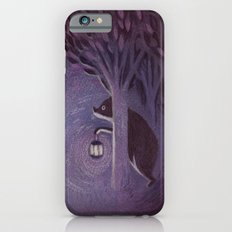 A bear in the forest iPhone 6s Slim Case