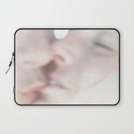 Le Baiser Laptop Sleeve
