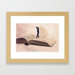 The page turner Framed Art Print