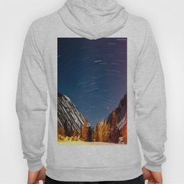 snowy mountaintops beneath the stars Hoody