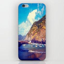 Terre 2  iPhone Skin