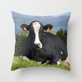 Cow portrait Throw Pillow