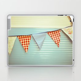 Vintage Caravanning Laptop & iPad Skin