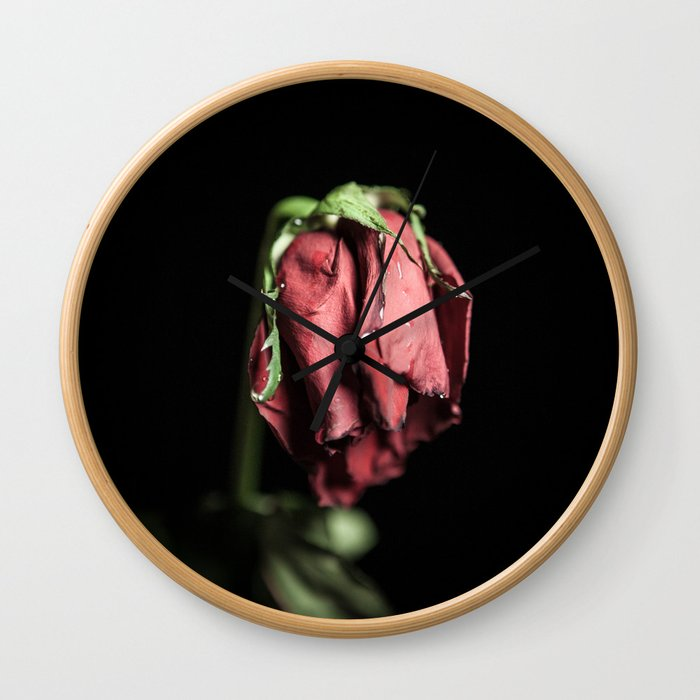 Tears for the dying Wall Clock