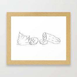 Appel eet komkommer Framed Art Print