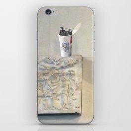 btfhb4 iPhone Skin