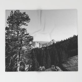 Olmsted Point, Yosemite National Park Throw Blanket