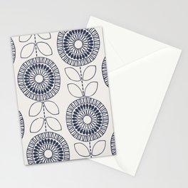 Scandi Flower Chain Stationery Cards