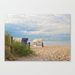 one lonely day at the beach Canvas Print
