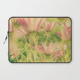 Vintage Spring Coral Pink Daisy Flowers Laptop Sleeve