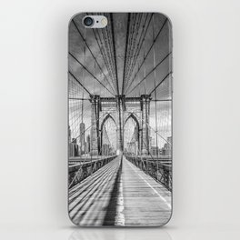 NEW YORK CITY Brooklyn Bridge | Monochrome iPhone Skin