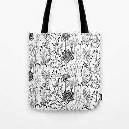 natur beauty in black/white Tote Bag