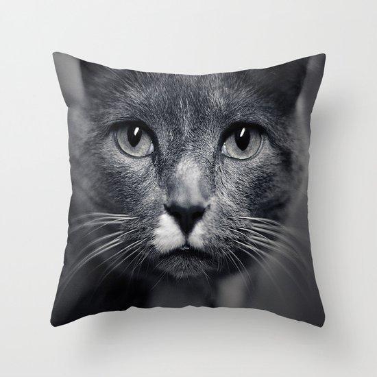 Les Yeux du Chat Throw Pillow