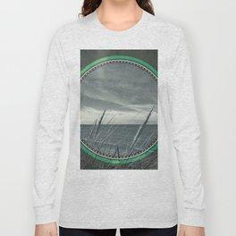Before the storm - green circle Long Sleeve T-shirt