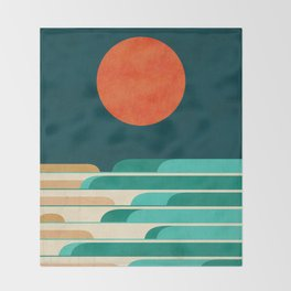 Chasing wave under the red moon Throw Blanket