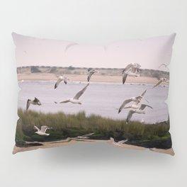 the seagulls dance Pillow Sham